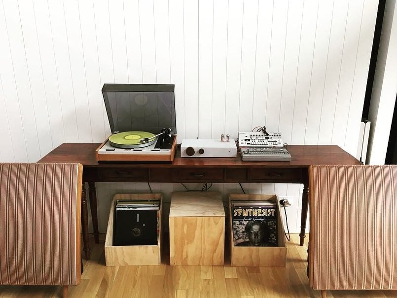 Sweet Billie setup from down-under. We love the yellow vinyl and Quad speakers